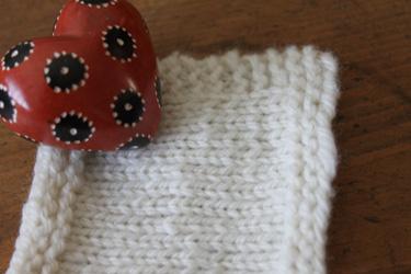 Cormo yarn swatch. Teaberry. Foxfire Fiber